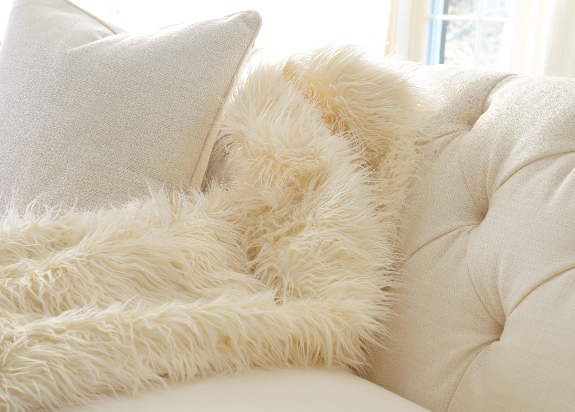 homes details better top brands white about itm leopard snow faux pillow and fur p gardens throw