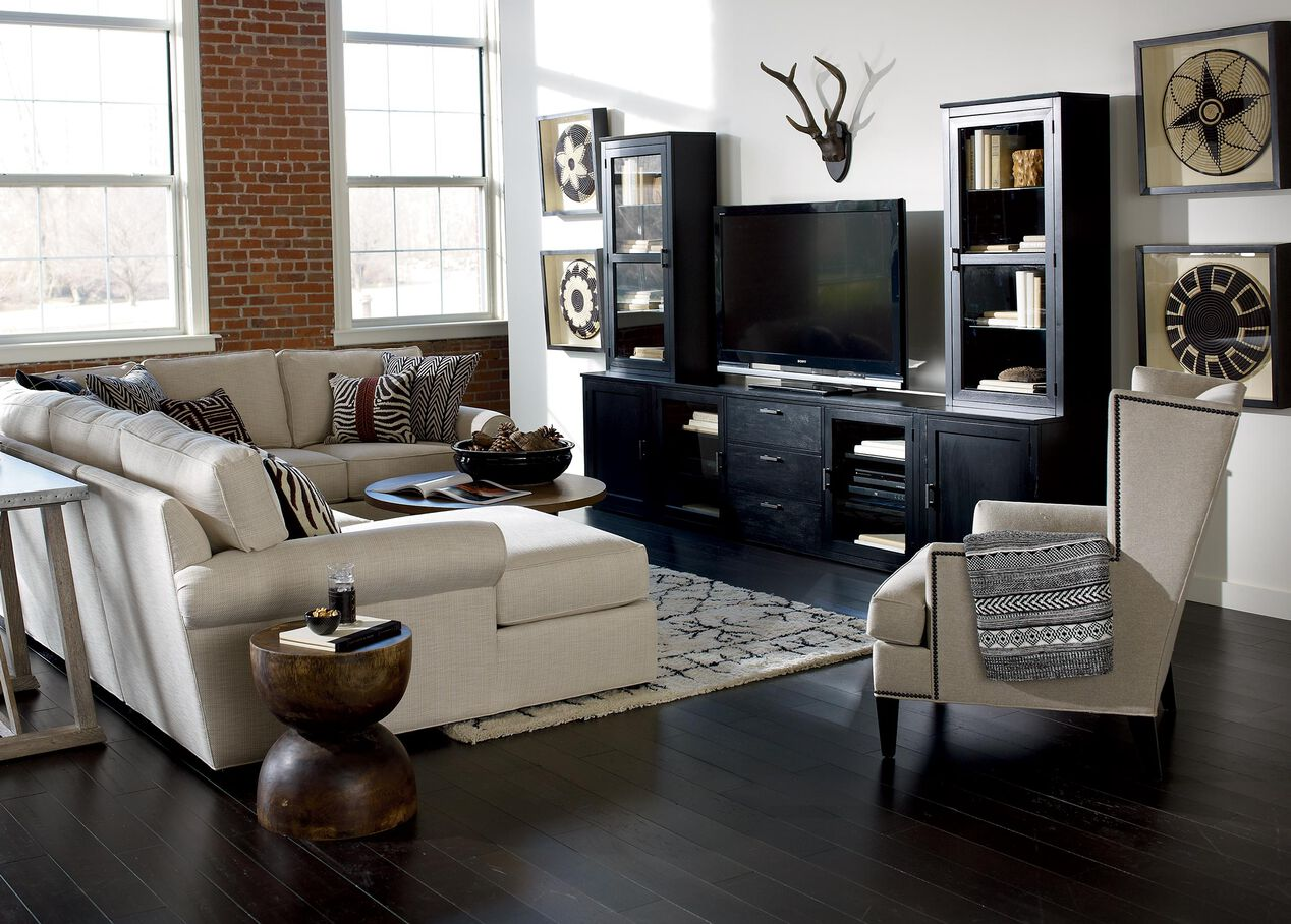 Retreat Roll Arm Sectional With Chaise Sectionals