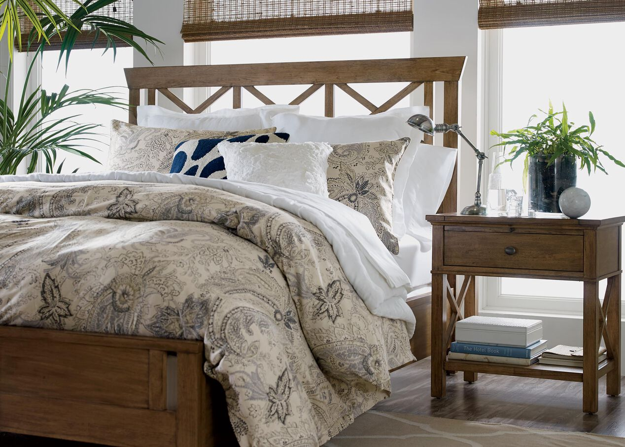 Here at Linen House, we offer the best of both worlds by providing fashionable bed linen at affordable prices. You can shop bed linen online at Linen House and enjoy huge savings across our wide range of bed essentials, quilt covers, sheets, cushions, bathroom towels and more.